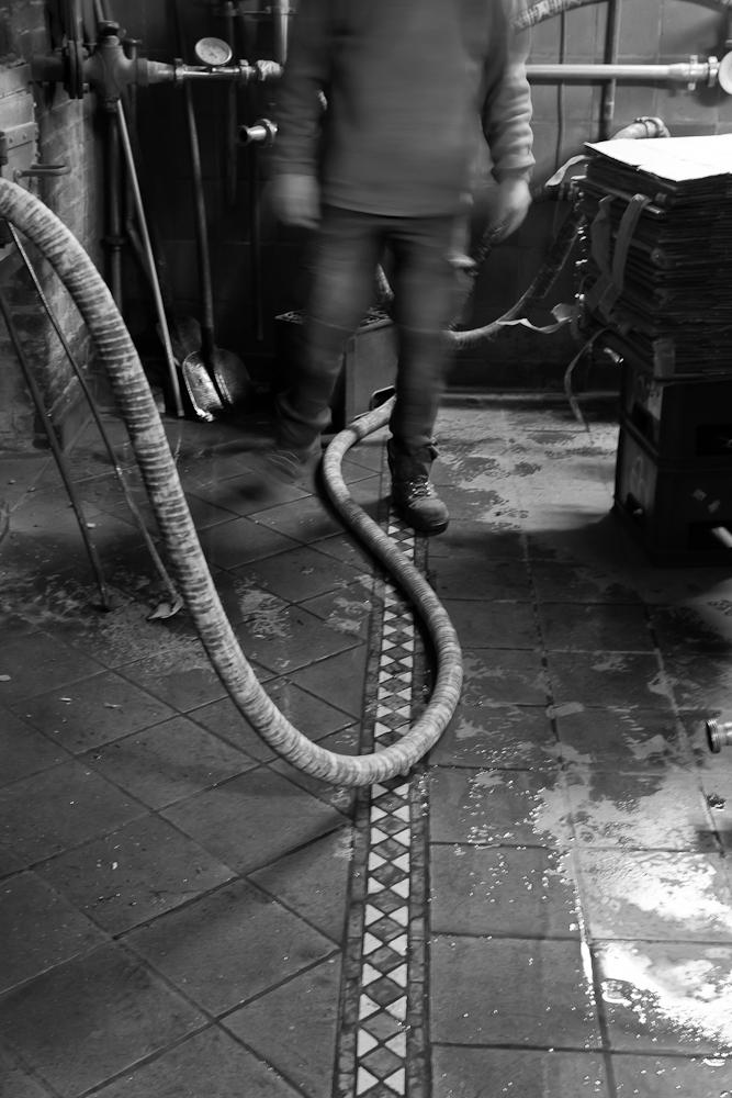 Brasserie Caracole - Falmignoul - 2012 - Simon, stagiaire de l'AGRI à Huy