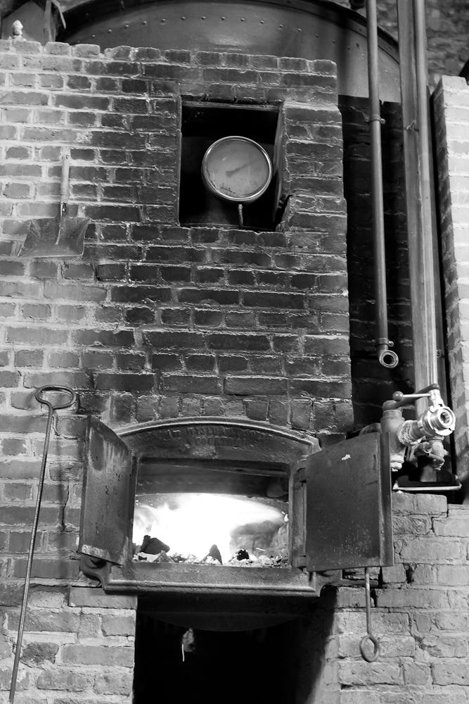 Brasserie Caracole - Falmignoul - 2012 - brassin chauffé au feu de bois